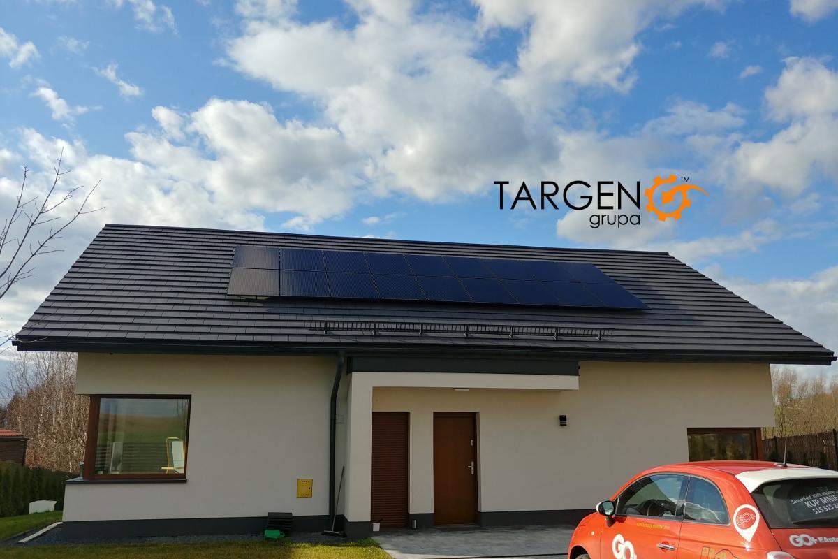 Instalacja fotowoltaiczna 5,49kWp, Moduły: 18 x LONGi 305Wp Full Black, Falownik: SolarEdge SE5K