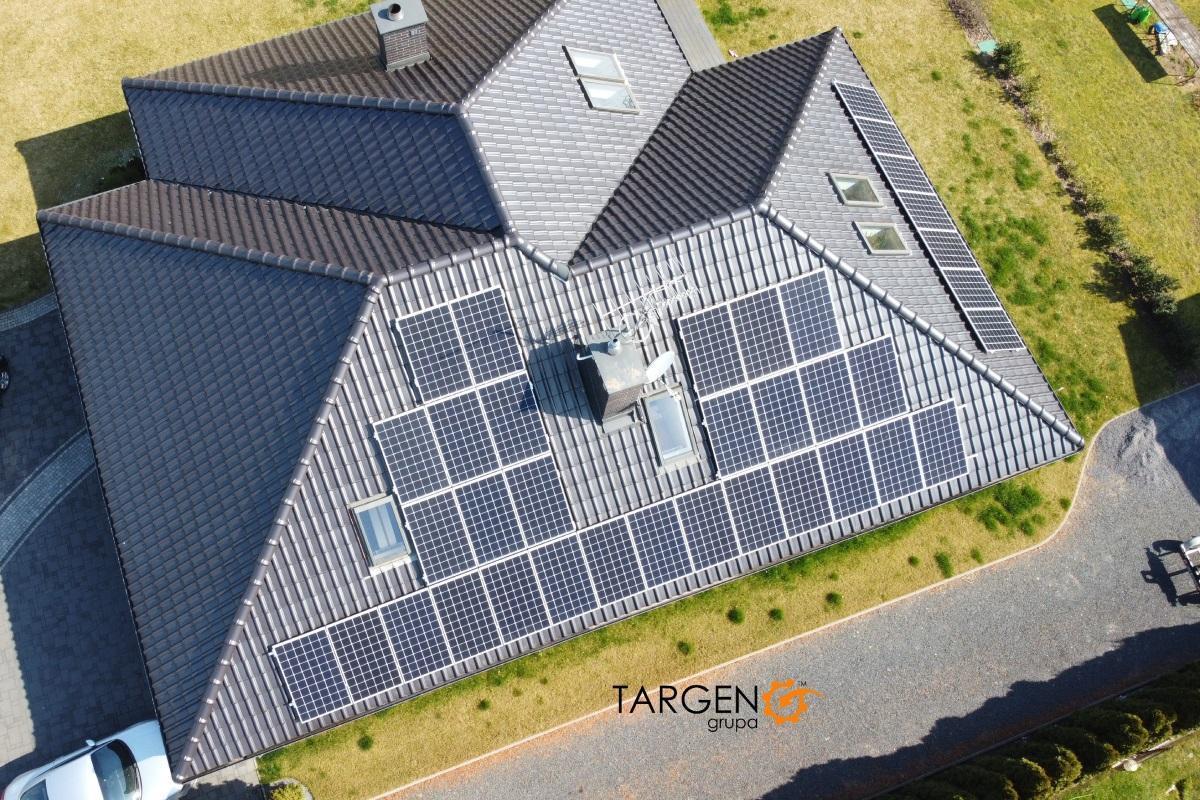 Instalacja fotowoltaiczna 10,8kWp, Moduły: 36 x ZNShine 300Wp, Falownik SolarEdge SE9K
